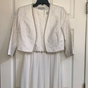 Tahari by Arthur s. Levine Evening Gown size 4